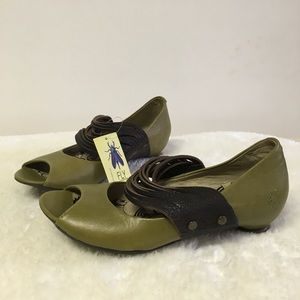 Fly London Laffa Leather Peep Toe Flats 8 Green